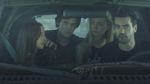 The cast fleeing. The blond is Tyler's girlfriend Maddy, the one with the knife.